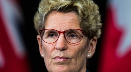Liberal loss could leave LRT money in limbo, Wynne warns