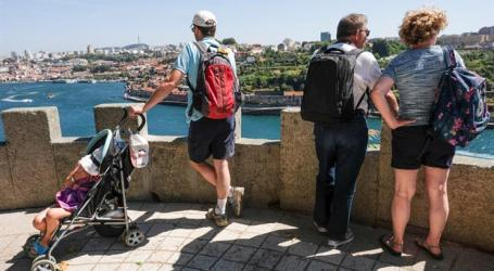 Receitas turísticas cresceram três vezes mais que turistas