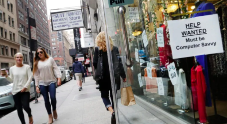 Canada adds 11,000 jobs in October, jobless rate ticks down to 5.8%