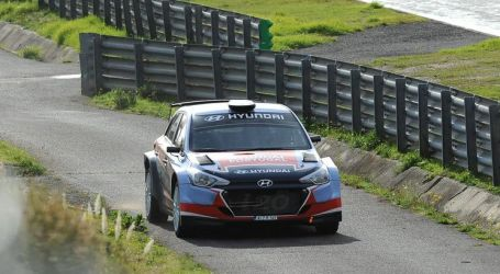 Miguel Oliveira pilotou carro de rali ao lado de Armindo Araújo