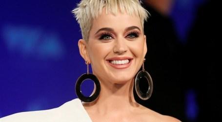 Katy Perry é a mulher mais bem paga no mundo da música