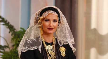 Cristina Ferreira começa programa vestida de noiva do Minho