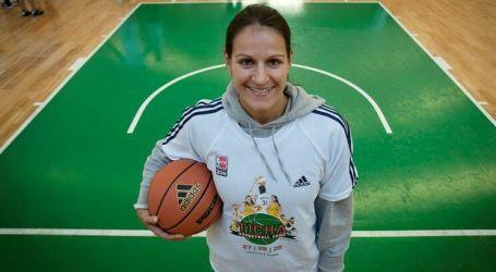 """Ticha Penicheiro nomeada para o """"Hall of Fame"""" da WNBA"""