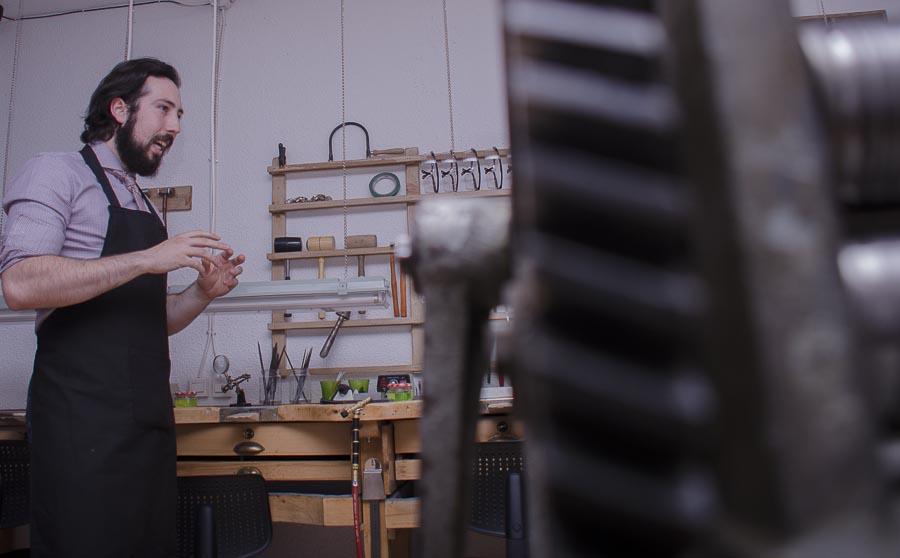 David Díaz, en su taller.