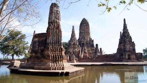 Wat Chaiwatanaram unter Wasser