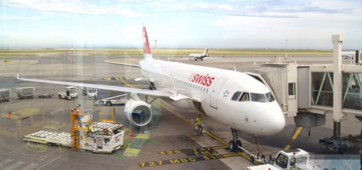 SWISS A320 am Gate in Nizza