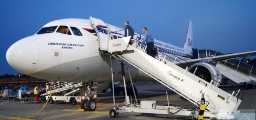 SAS Airbus A319-100 - MSN 2850 - OY-KBO beim Boarding am Flughafen Berlin-Tegel