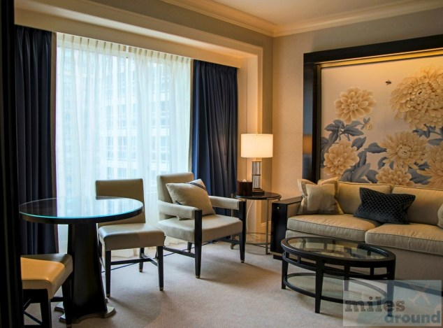 Sitzbereich im Hotelzimmer