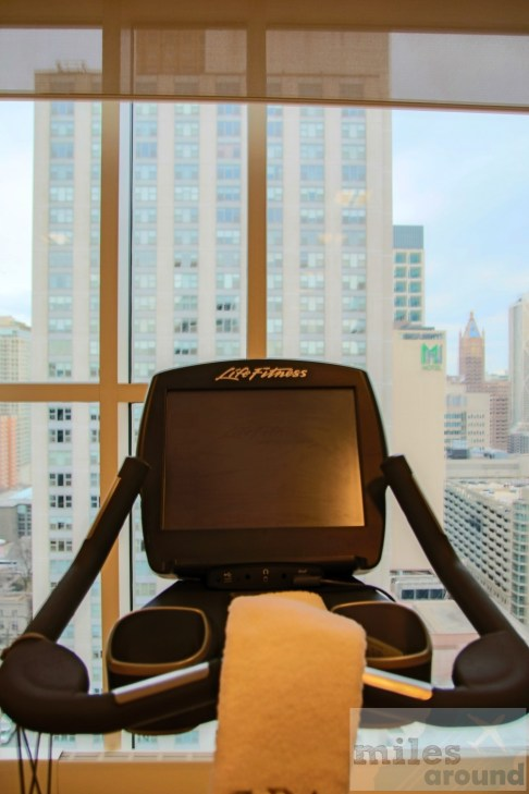 """Fitness """"with a view"""" (photo by airfurt.net)"""
