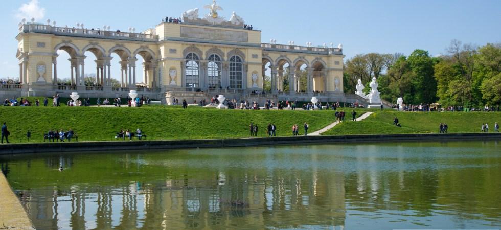 Schönbrunnin linnan