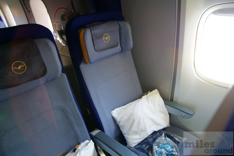 Lufthansa Economy Class seats in the Boeing 747-400