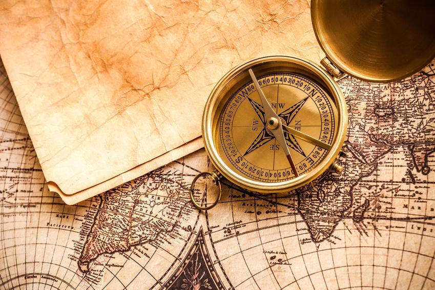 Landkarte und Kompass, Fotolia©BillionPhotos.com