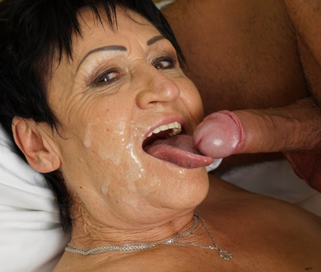Old Woman Pussy Fuck