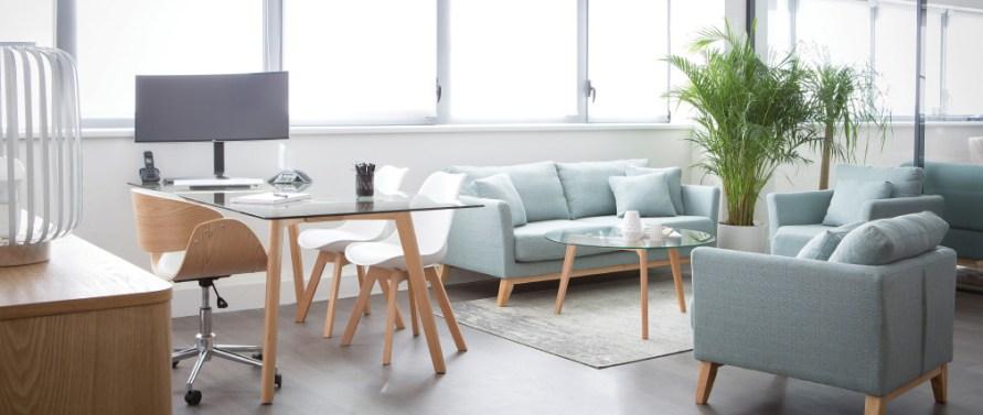 Sofás de estilo nórdico de 2 y 3 plazas azul claro desenfundable con patas de madera modelo OSLO 180 cm de largo **** desde 399,99€  en Miliboo.