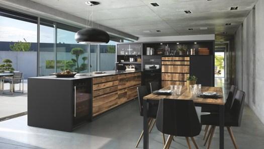 Cocina Schmidt en negro y madera