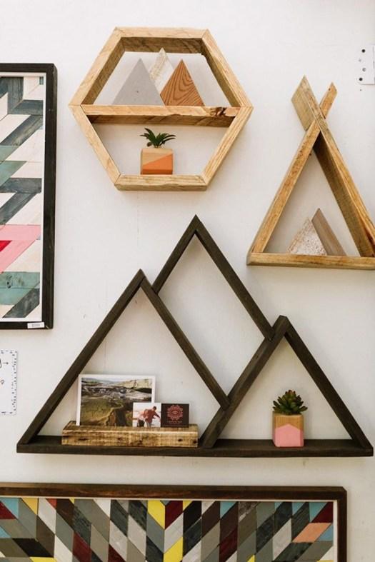 Estanterías geométricas DIY hechas con madera