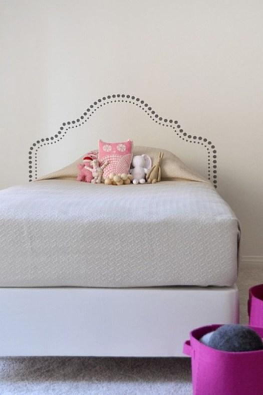 Vinilo decorativo como cabecero de cama