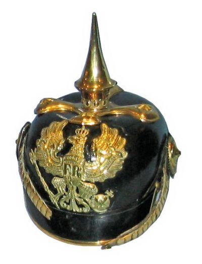 普鲁士军官的尖刺头盔