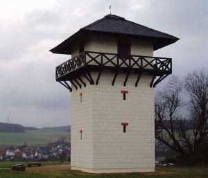 Limes haut germanique : mirador reconstitué dans Taunus