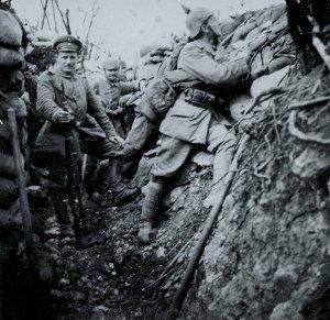Deutsche Infanterie im Schützengraben