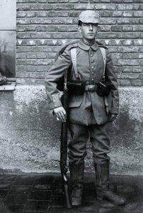 Deutscher Infanterist im 1. Weltkrieg