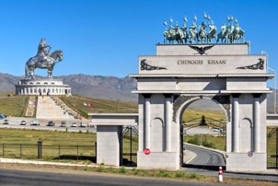 Dschingis Khan Denkmal (in der Mongolei wird er heute noch als Volksheld gefeiert)