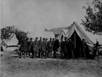 Abraham Lincoln rend visite à McClellan et ses soldats