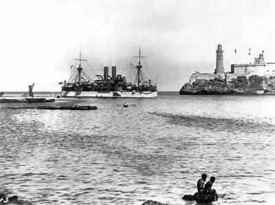 السفينة يو إس إس مين في ميناء هافانا