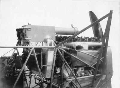 Macchina fotografica mitragliatrice su aereo