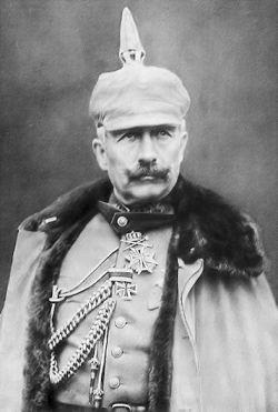 皇帝威廉二世穿着军装
