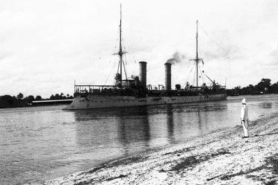 Petit croiseur SMS Thetis dans le port de Dar es Salaam, Afrique de l'Est allemande