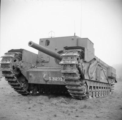 1943年3月25日在丘吉尔坦克的QF 3英寸20英寸重的枪