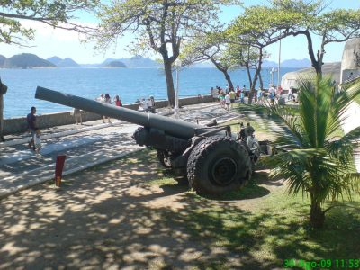 Un pistolet BL 6 pouces Mk XIX conservé au Musée de l'histoire de l'armée brésilienne au Fort Copacabana à Rio de Janeiro