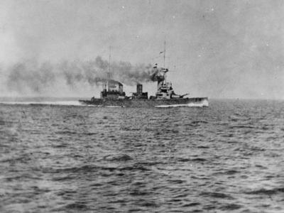 L'HMS New Zealand durante la prima battaglia navale a Helgoland