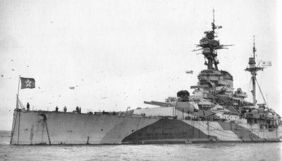 Le HMS Royal Sovereign comme soviétique Archangelsk