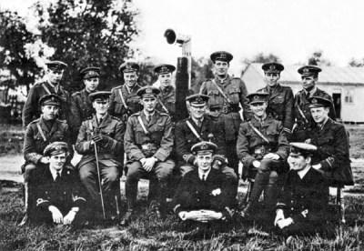 Ufficiali del Serivizio Aereo della Marina Reale alla fine del 1914