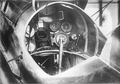 View of the cockpit of a Royal Aircraft Factory S.E.5