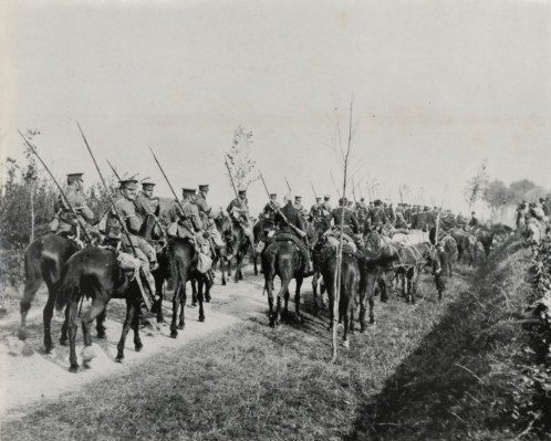 16th Queen's Lancers during advance to the Marne Sept. 1914.