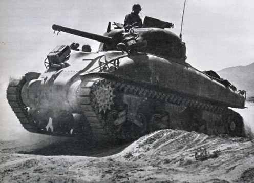 Sherman-tank-of-8th-Army-during-the-advance-on-the-Mareth-Line-1943