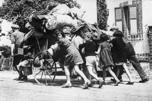 fuite,-mai-juin-1940-©-LAPI-Roger_Viollet