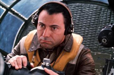 Alan Arkin as Captain Yossarian.