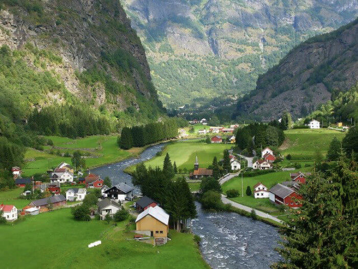 Flam Military and Veteran discounts on all Northern Europe cruises
