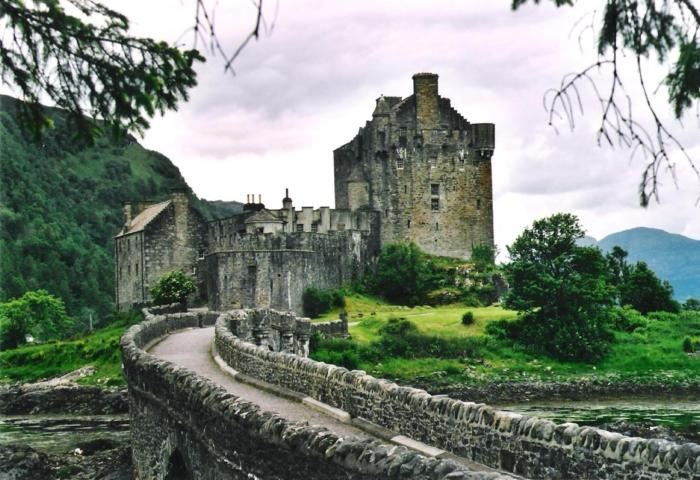 Eilean Donan Castle Military and Veteran Discounts on all Northern Europe Cruises