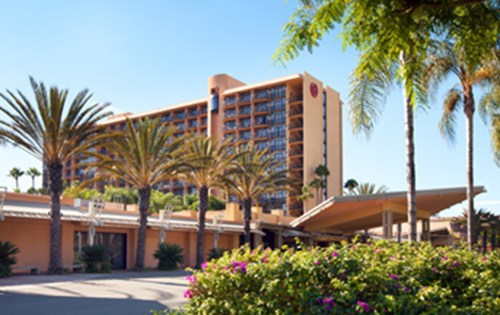 Mar 23,  · InterContinental Hotels. The InterContinental Hotels Group owns several popular hotel chains near Disneyland and offers a generous military discount.