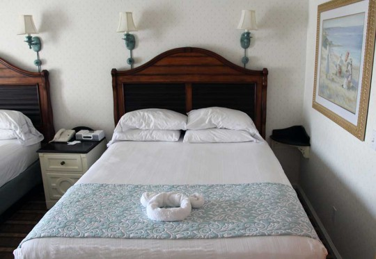 Beach-Club-Beds2