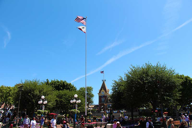 Disneyland'sFlag Retreat
