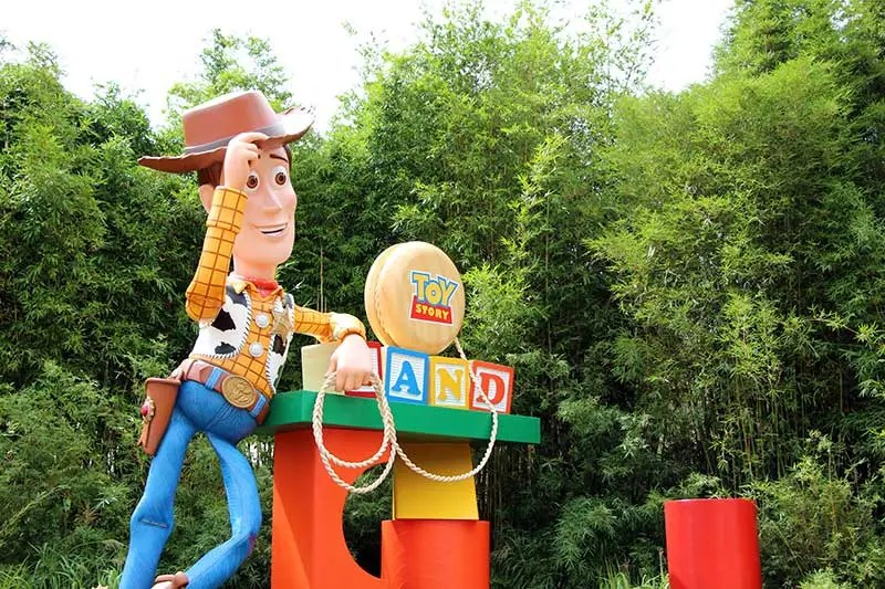 Toy Story Land Entrance Woody Icon