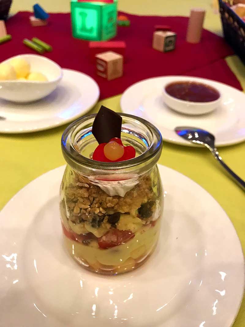 Toy Story Land Woodys Lunch Box Yogurt