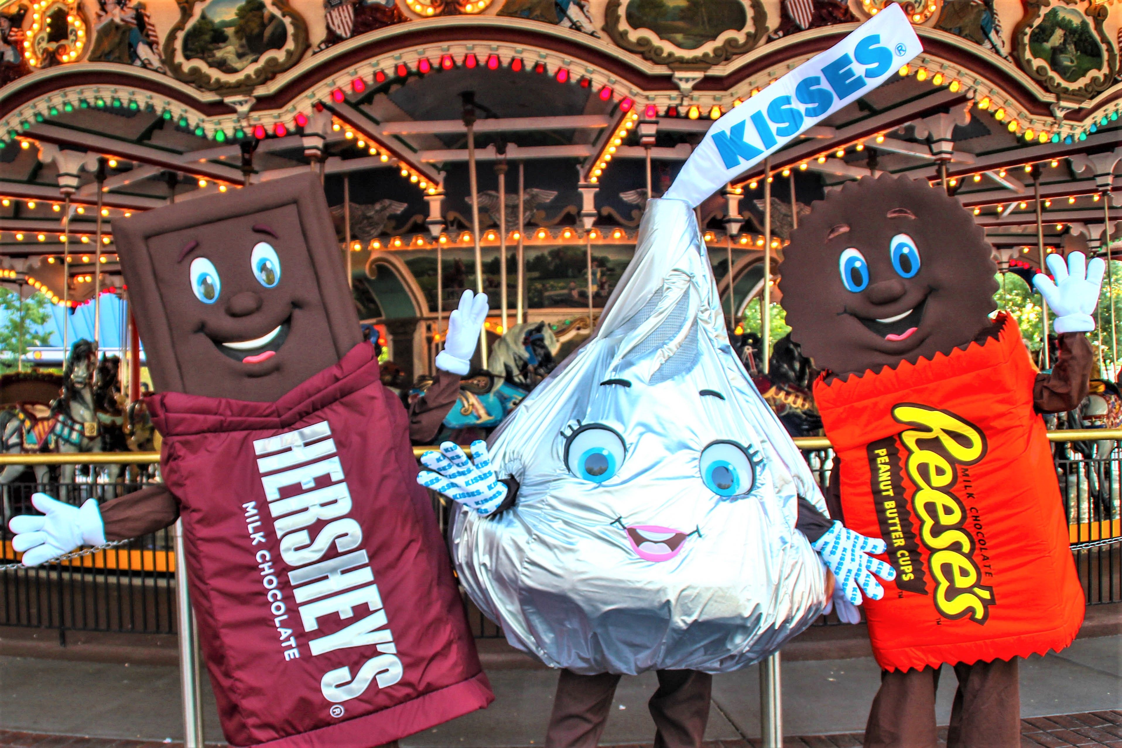 What New and Fun Things To Do & Eat in HersheyPark- Hershey, Pa.? Visiting Hershey Park and need ideas on what to do? Be ready for a #SweetWelcome