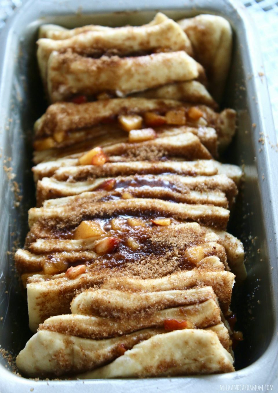 Brown Sugar & Peach Pull-Apart Bread